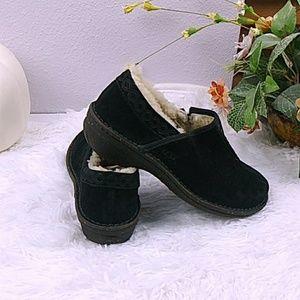 New! UGG 'Bettey' Suede Slip-on Shoes Black SZ 7
